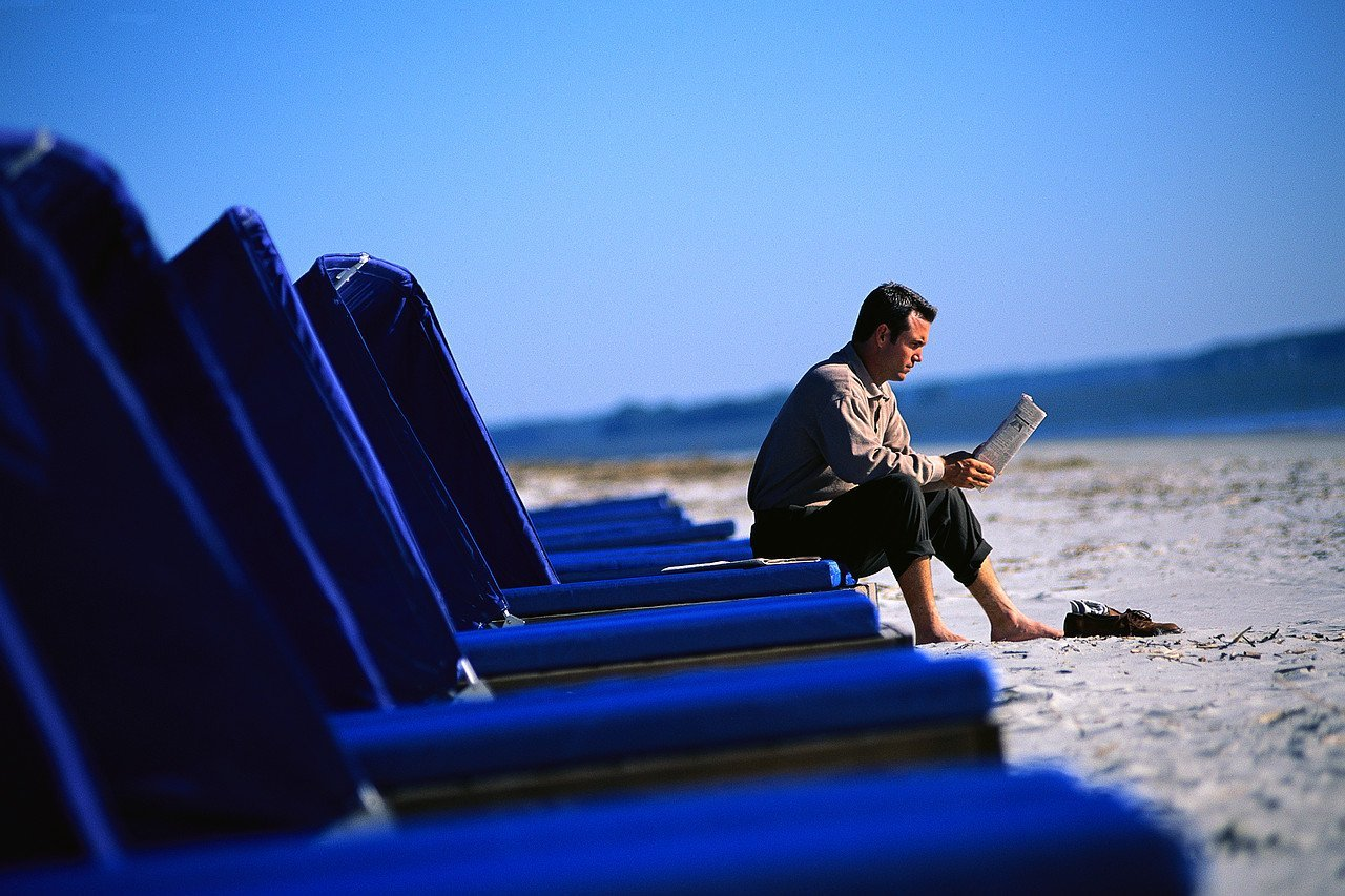 Life's A Beach: Summer Reading List for Business Owners